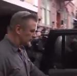 Алек Болдуин признал вину по делу о драке